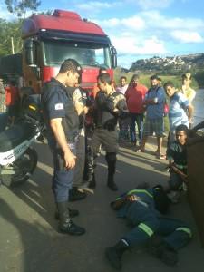 Motociclista atendido pelos Bombeiros