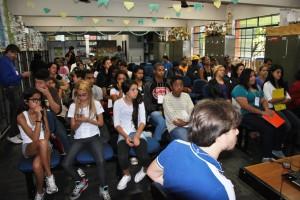 Os jovens compareceram, mas os políticos de Santa Luzia não