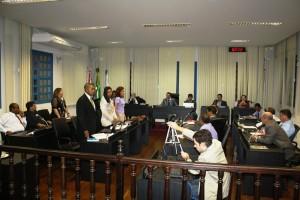 Dos 17 vereadores, 12 votaram a favor do projeto