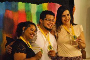 As secretárias de Educação, Heliane Maria Oliveira e de Desenvolvimento Social, Fernanda Guedes e o diretor da Escola Municipal Maria das Graças Teixeira Braga, William Souza Bois, foram homenageados