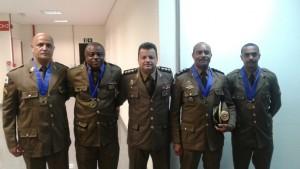 Da esquerda para a direita: Sargentos Parreira, Alex; Ten.Cel. Anselmo, Major Evair e Sgt Estêvão. Foto: Divulgação
